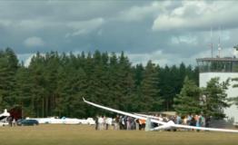 Pohjoismainen purjelentopäivä kiinnosti yleisöä Räyskälässä. Katso video!